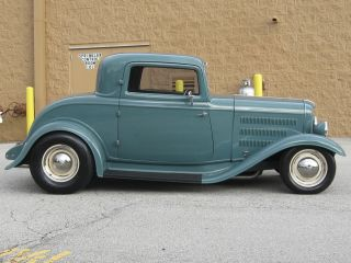 1932 Ford 3 Window Coupe photo