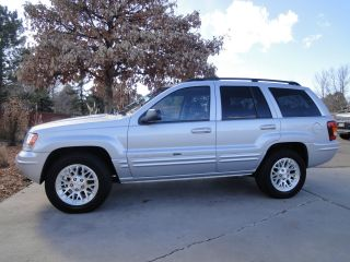 2004 Jeep Grand Cherokee Limited Sport Utility 4 - Door 4.  7 L photo