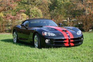 2008 Dodge Viper Srt - 10 Convertible 2 - Door 8.  4l photo