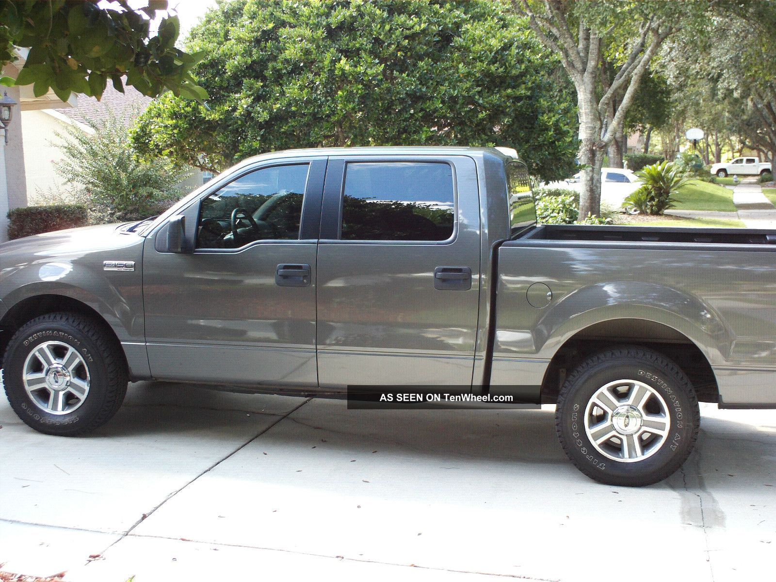 2006 ford f 150 xlt crew cab pickup 4 door 4 6l. Black Bedroom Furniture Sets. Home Design Ideas
