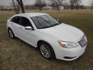 2012 Chrysler 200 Limited_2.  4l_8k_htd Lther Seats_sirius_aux_rebuilt_no Reserve photo