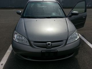 2004 Honda Civic Hybrid Sedan photo