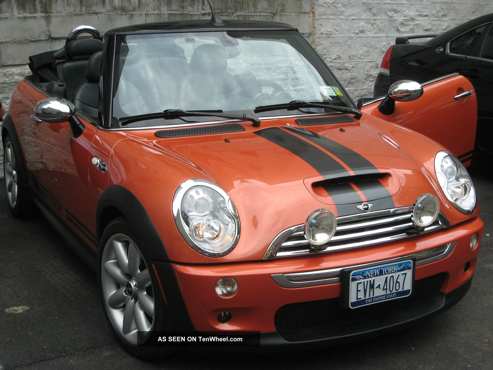 2005 mini cooper s convertible 2 door 1 6l. Black Bedroom Furniture Sets. Home Design Ideas