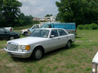 1989 Mercedes - Benz 300se Base Sedan 4 - Door 3.  0l photo