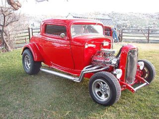 1932 Ford Duece Coupe Hot Rod photo