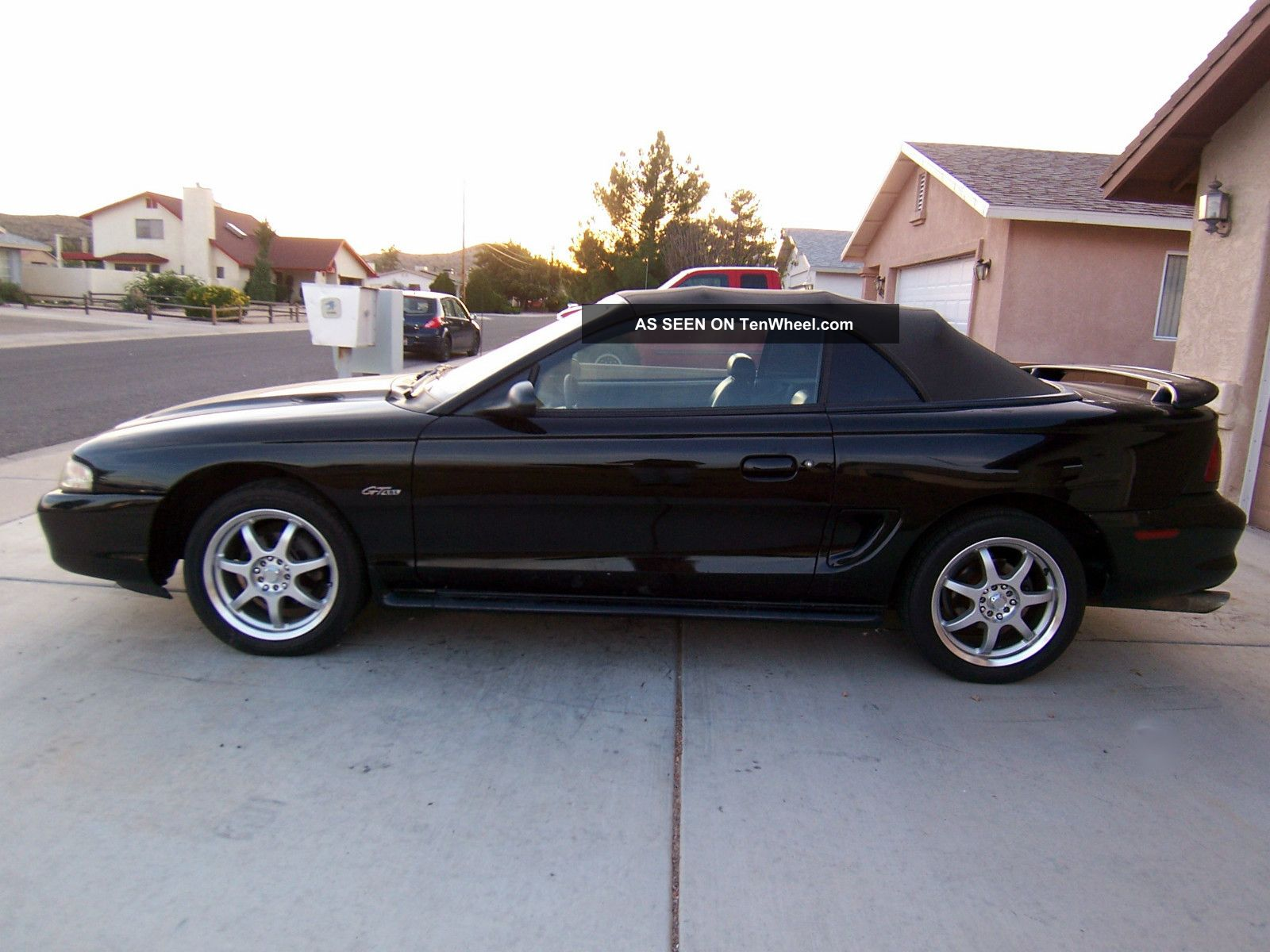 1998 Ford Mustang Gt Convertible Jet Black And Loaded