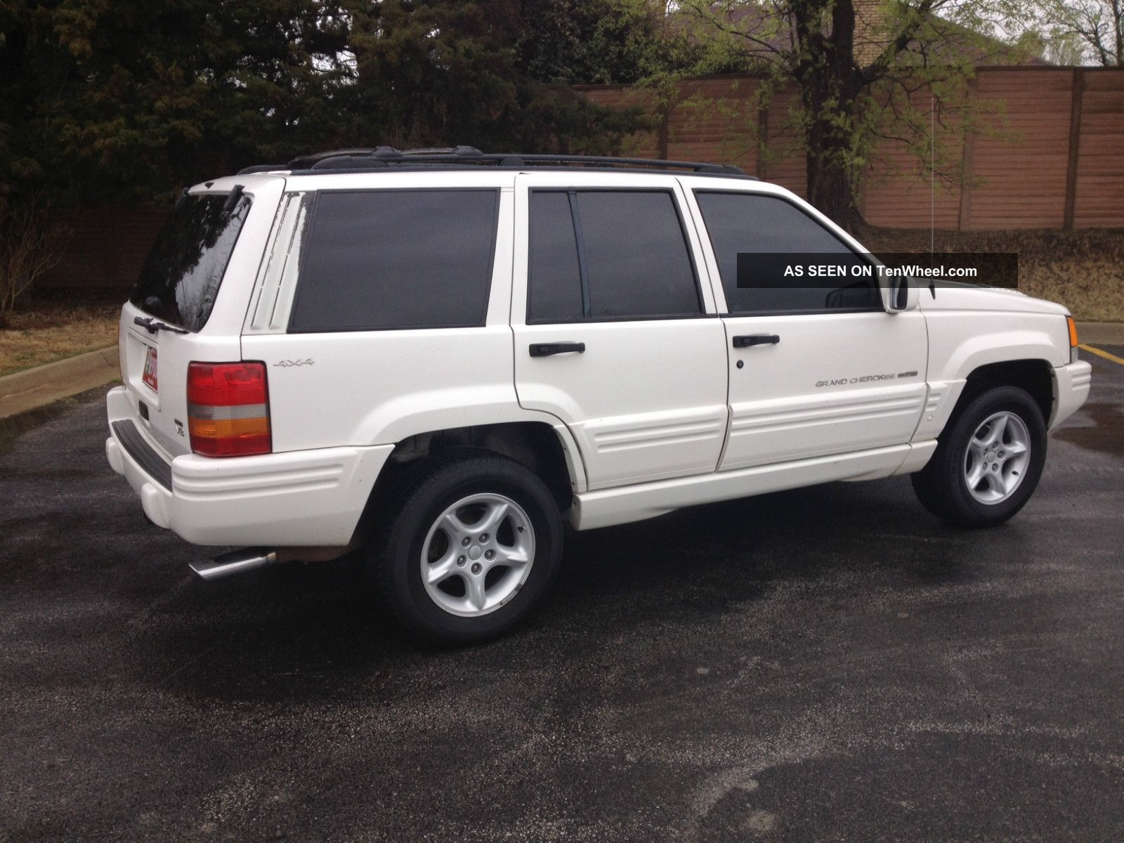 1998 Jeep Grand Cherokee 5 9 Limited Sport Utility 4
