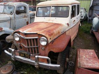 1958 Willys Jeep Wagon photo