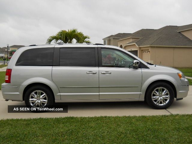 2008 chrysler town and country limited luxury 4 0 silver mini van. Black Bedroom Furniture Sets. Home Design Ideas