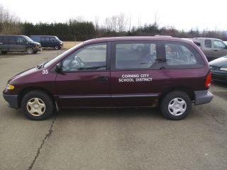 2000 Dodge Caravan Base Mini Passenger Van 4 - Door 3.  3l photo