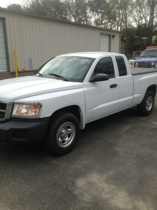2008 Dodge Dakota Extended Cab 3.  7l photo