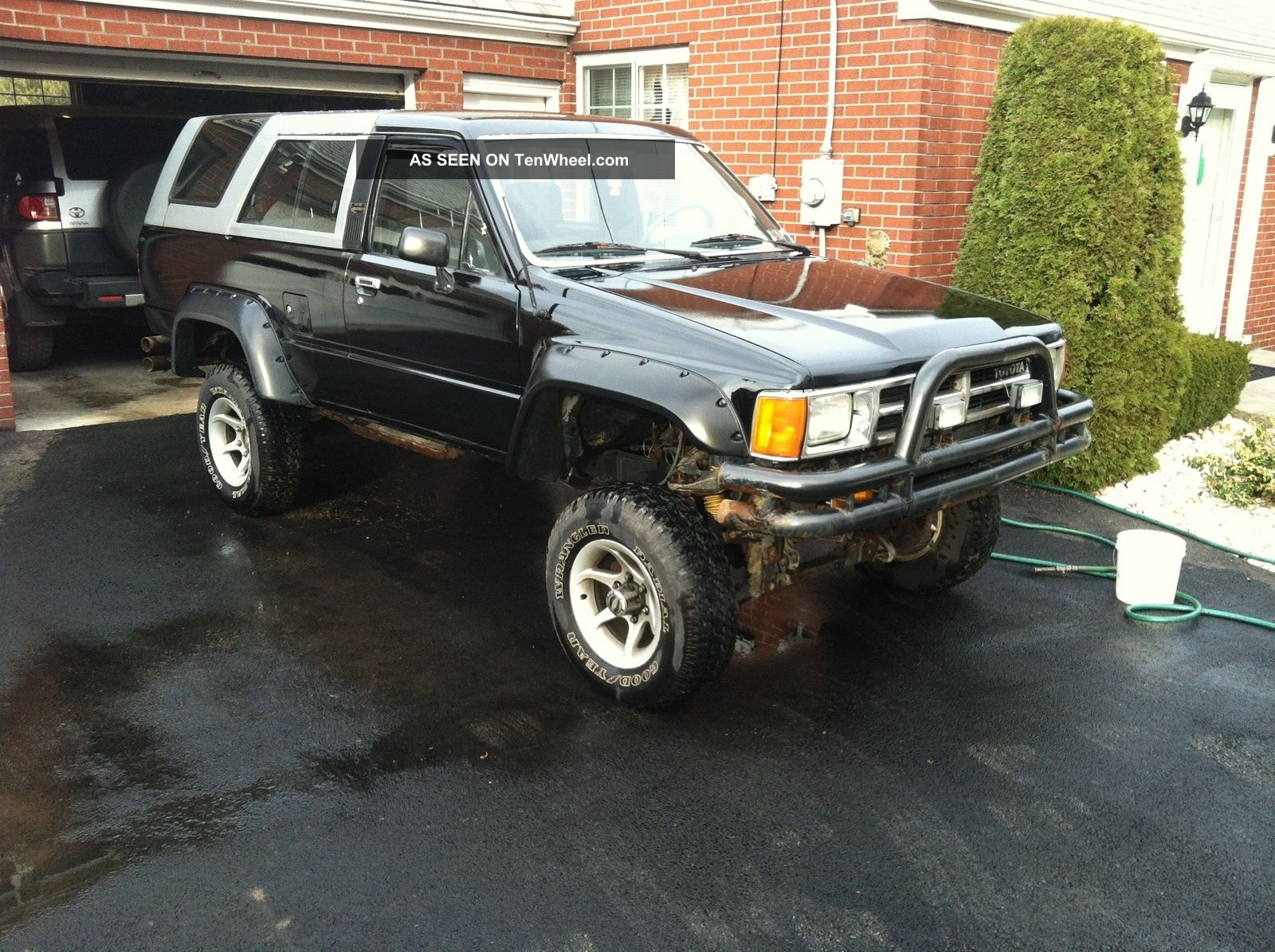 1989 Toyota 4runner Sr5 Sport Utility 2 - Door 3.  0l 4Runner photo