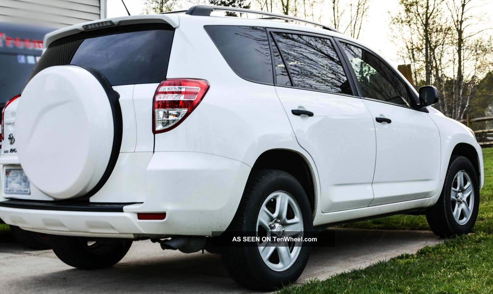 2010 toyota rav4 sport utility 4 door rav 4 2wd. Black Bedroom Furniture Sets. Home Design Ideas