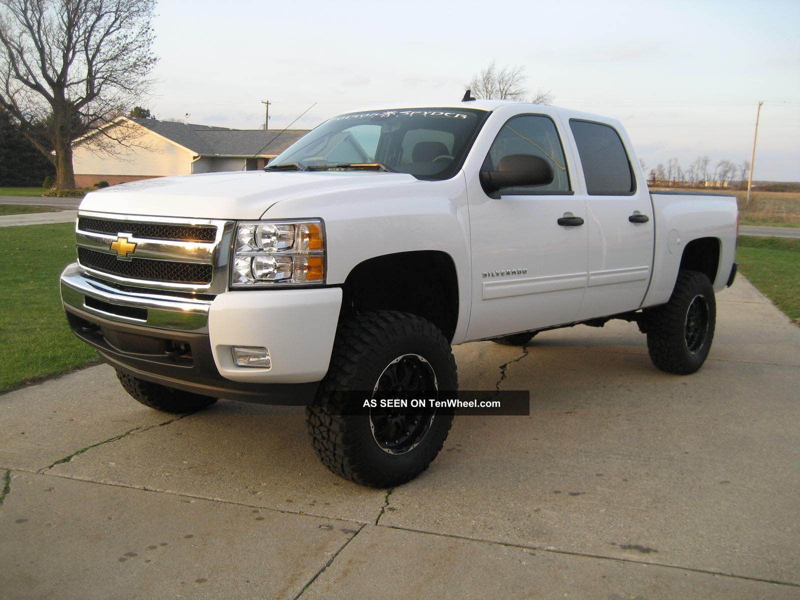 Chevrolet Silverado Lt  Crew Cab Xl V  Bds Lift Sharp