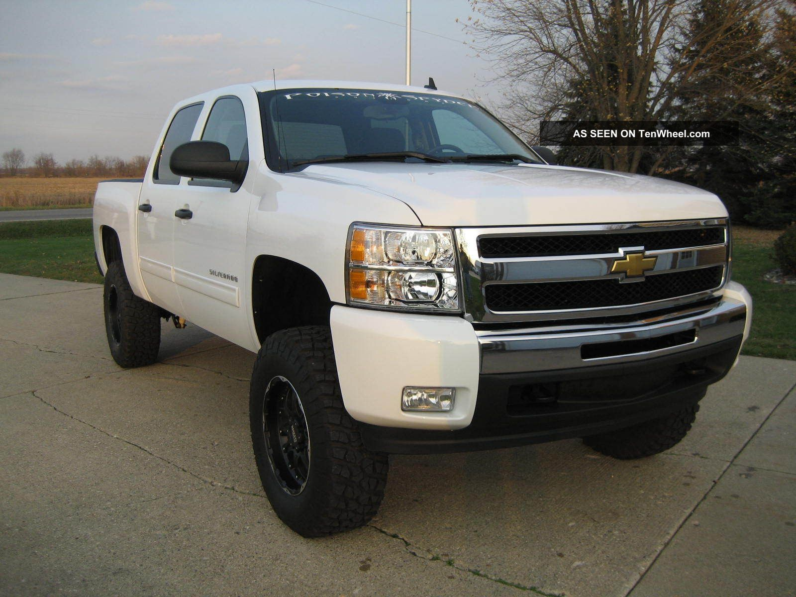 2011 chevrolet silverado lt 1500 crew cab 4x4 5 3l v8 6 bds lift sharp. Black Bedroom Furniture Sets. Home Design Ideas