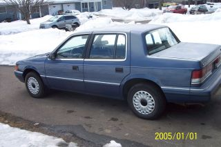 1994 Plymouth Acclaim Base Sedan 4 - Door 2.  5l photo