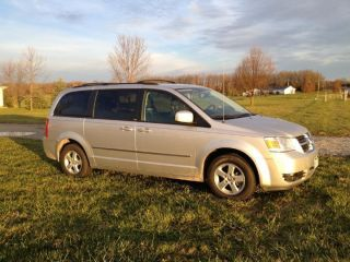 2010 Dodge Grand Caravan Sxt Mini Passenger Van 4 - Door 3.  8l photo