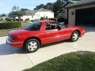 1989 Buick Reatta Luxury Sports Coupe, photo