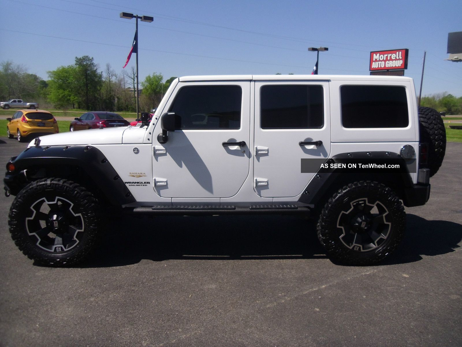 2011 jeep wrangler unlimited sahara hard lifted. Black Bedroom Furniture Sets. Home Design Ideas