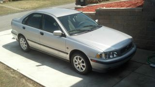 2000 Volvo S40 Base Sedan 4 - Door 1.  9l photo
