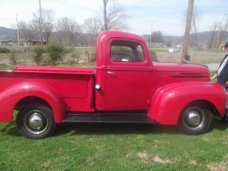 1947 Ford Pickup photo