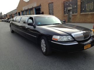 2005 Lincoln Stretch Limousine By Tiffany 120 Inches photo