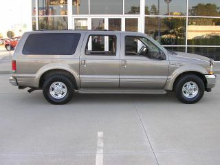 2002 Ford Excursion Limited Sport Utility 4 - Door 7.  3l photo
