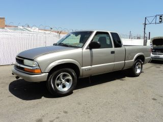 2002 Chevrolet S10 Base Crew Cab Pickup 4 - Door 4.  3l, photo