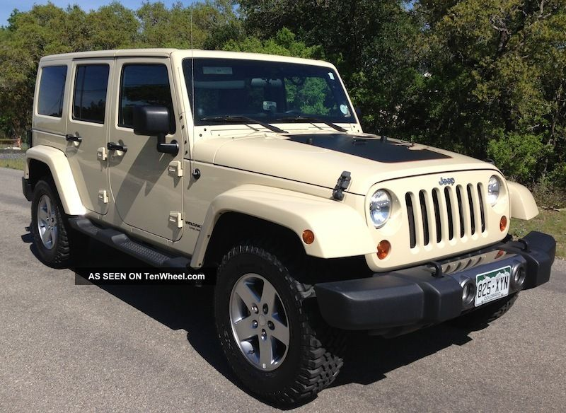 2011 Jeep Wrangler Unlimited Mojave Desert Edition + Extra