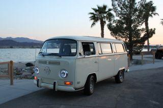 1972 Volkswagen Bus photo