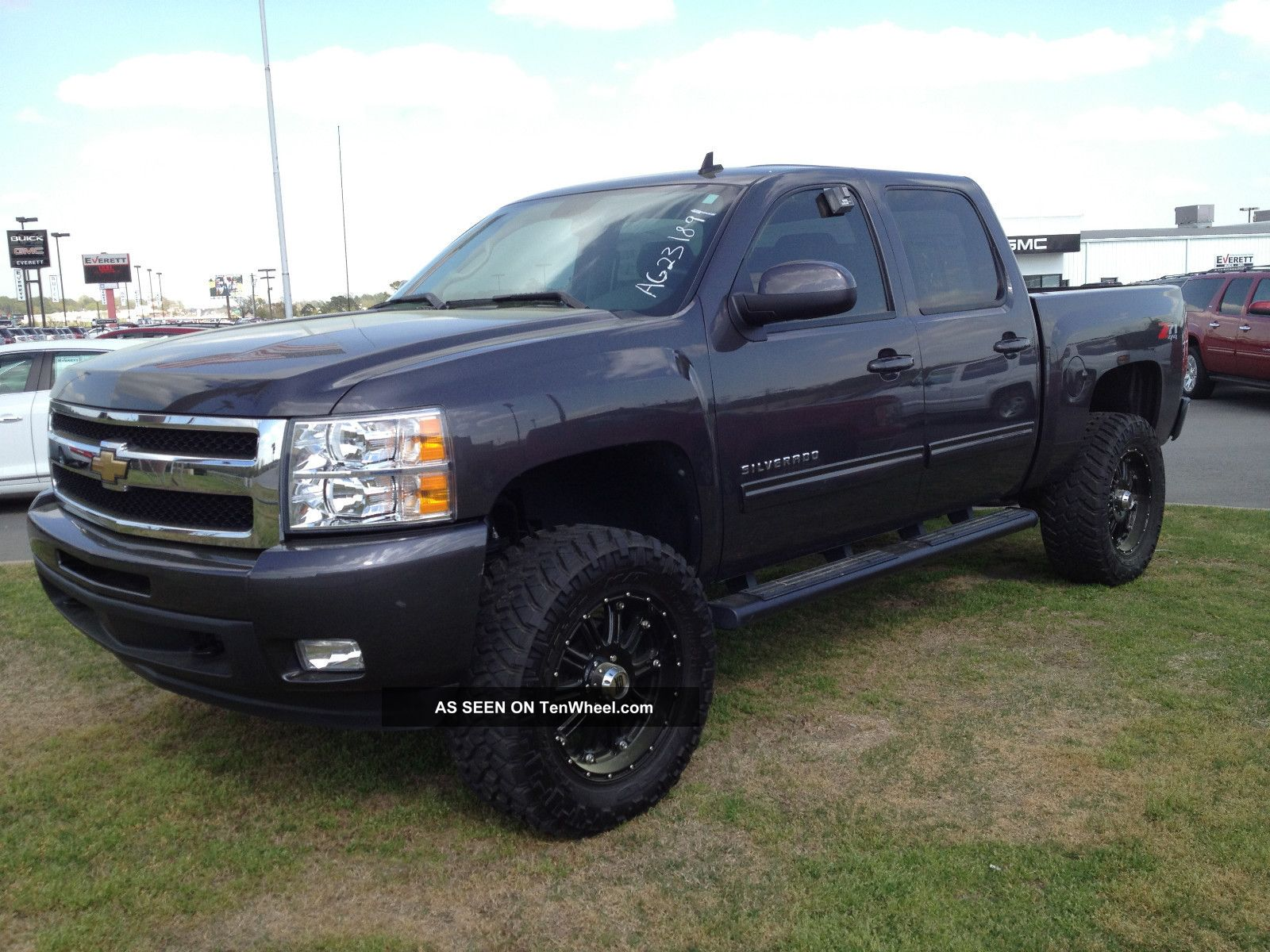 2010 Chevrolet Silverado 1500 Ltz Crew Cab Pickup 4 - Door 5.  3l Silverado 1500 photo