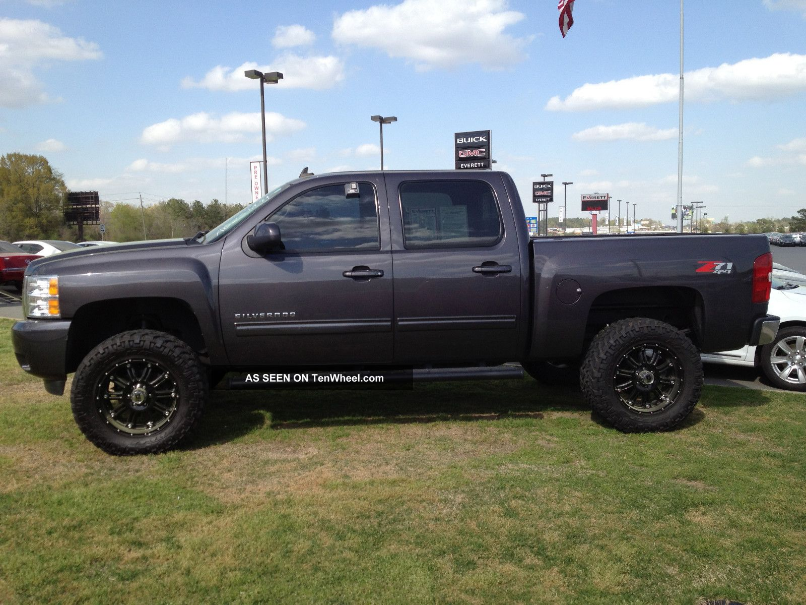 2010 chevrolet silverado 1500 ltz crew cab pickup 4 door 5 3l. Black Bedroom Furniture Sets. Home Design Ideas