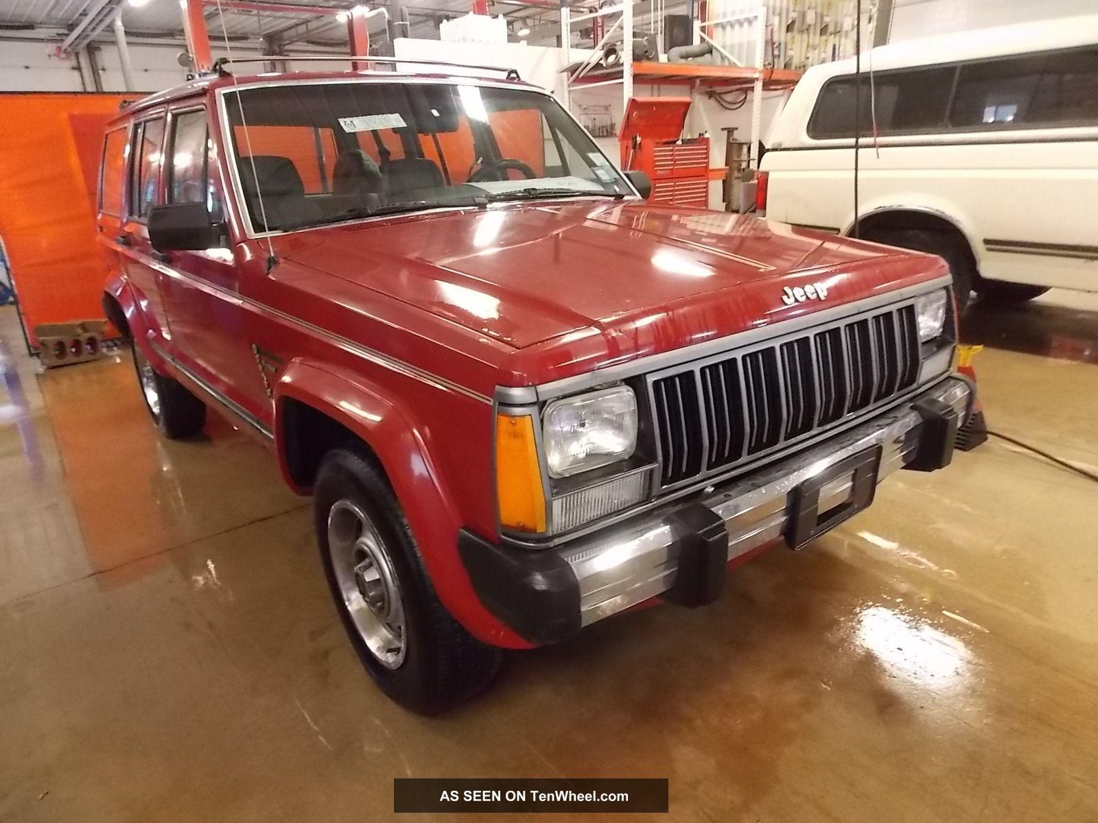 1990 Jeep Cherokee Pioneer T157110 Cherokee photo