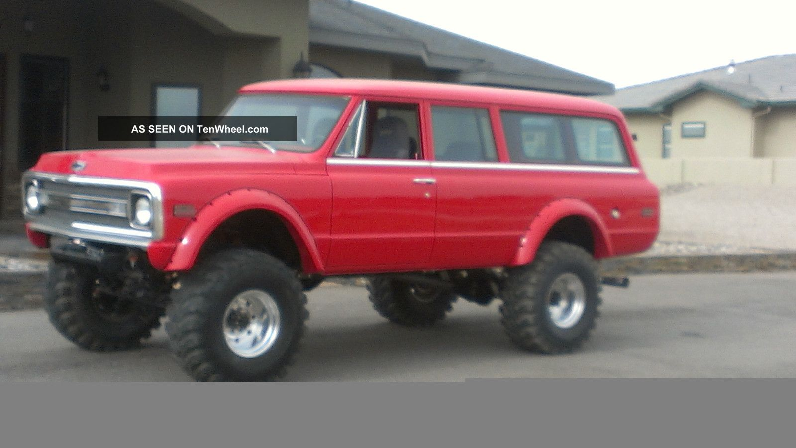 radical custom 1970 3 door chevy suburban 4x41970 Custom Chevy Suburban 4x4 #4