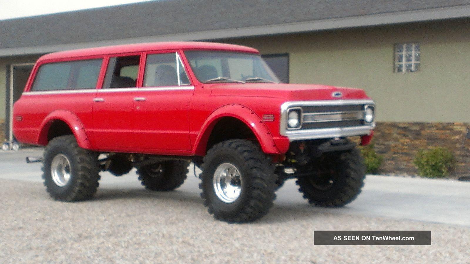 radical custom 1970 3 door chevy suburban 4x41970 Chevy Suburban 4x4 #4