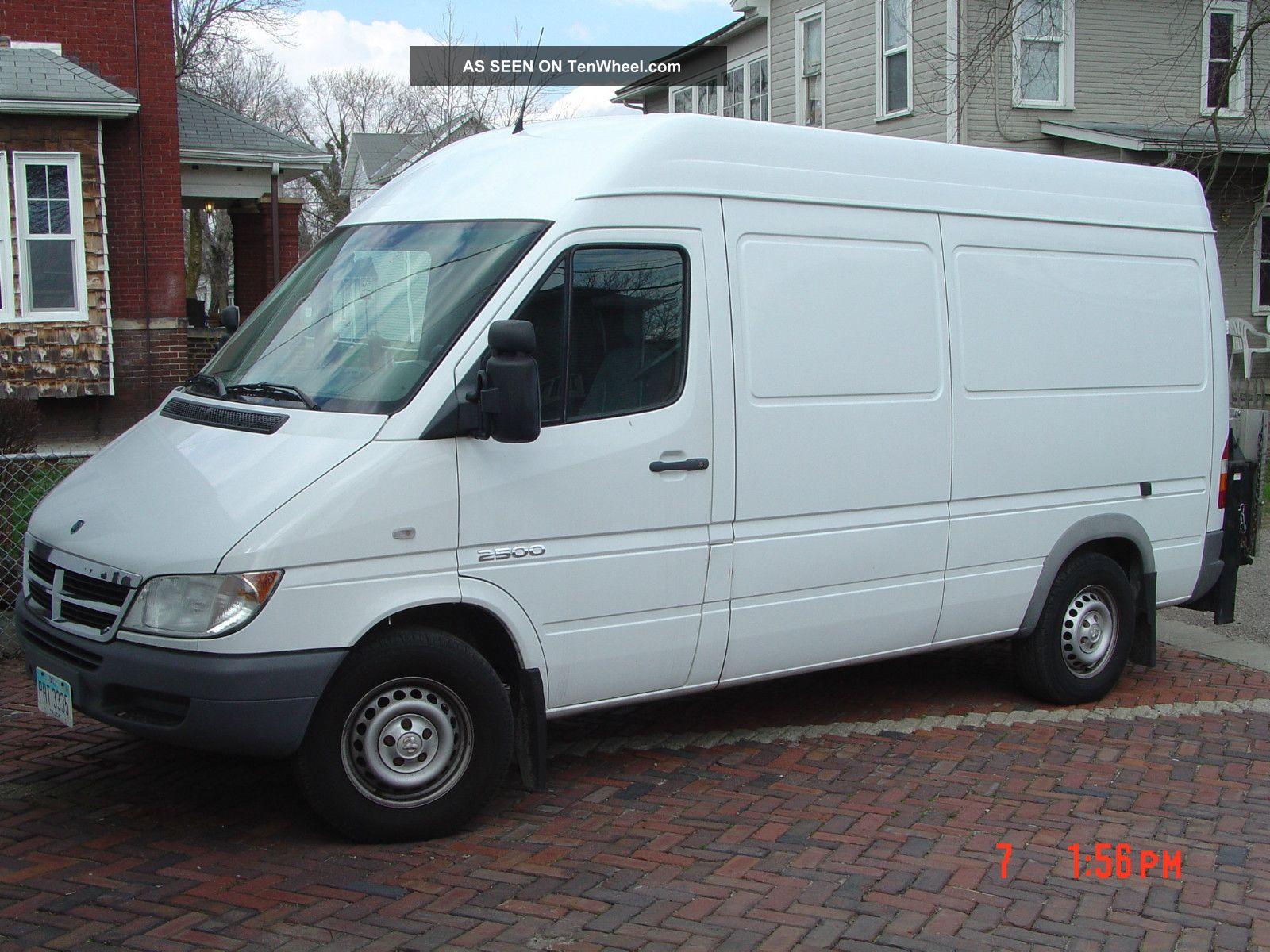 2006 Dodge Sprinter 2500 Base Standard Cargo Van 4 Door