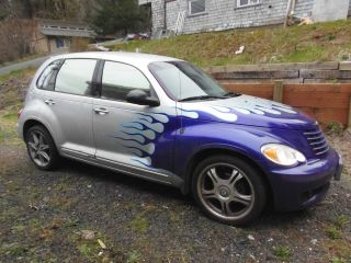 2007 Chrysler Pt Cruiser Base Wagon 4 - Door 2.  4l photo