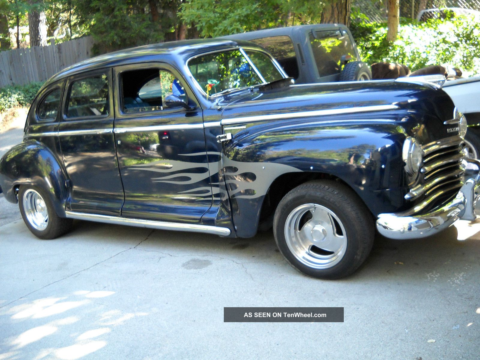 1947 plymouth deluxe 4 door sedan