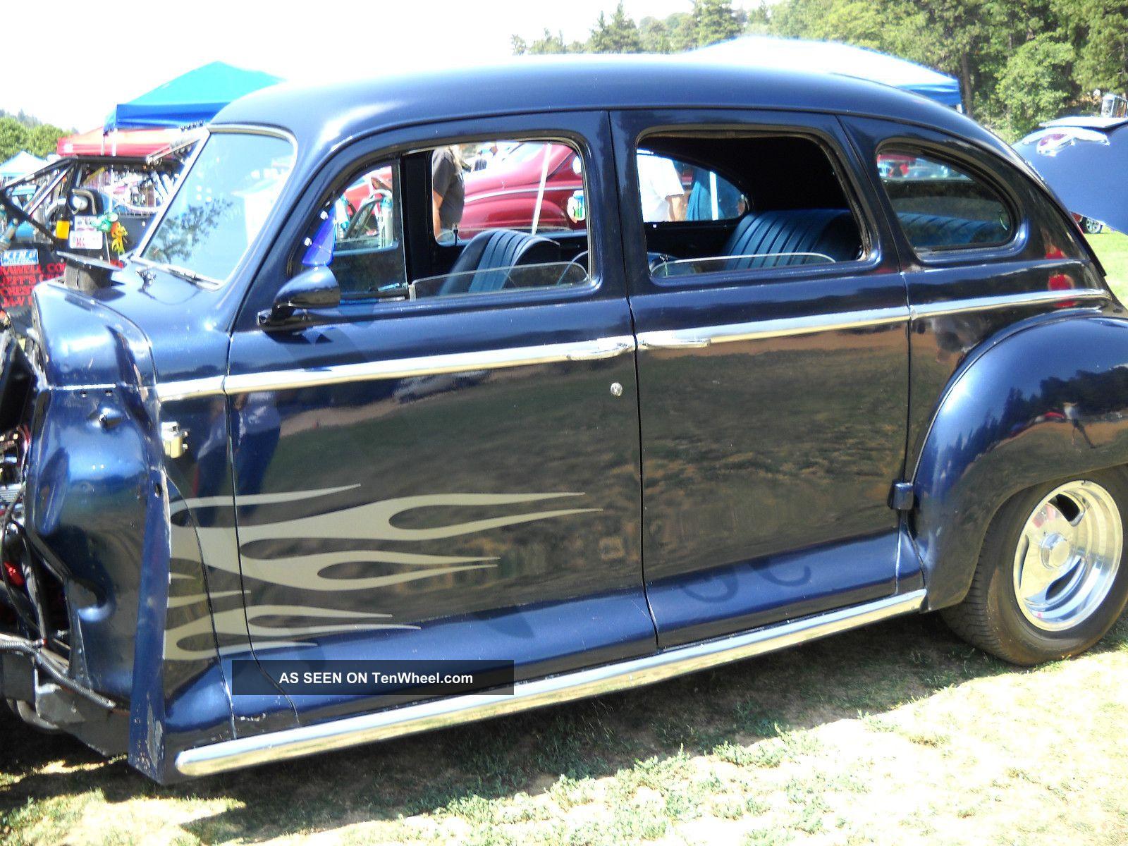 1947 plymouth deluxe 4 door sedan