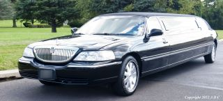 2007 Lincoln Stretch Limo photo