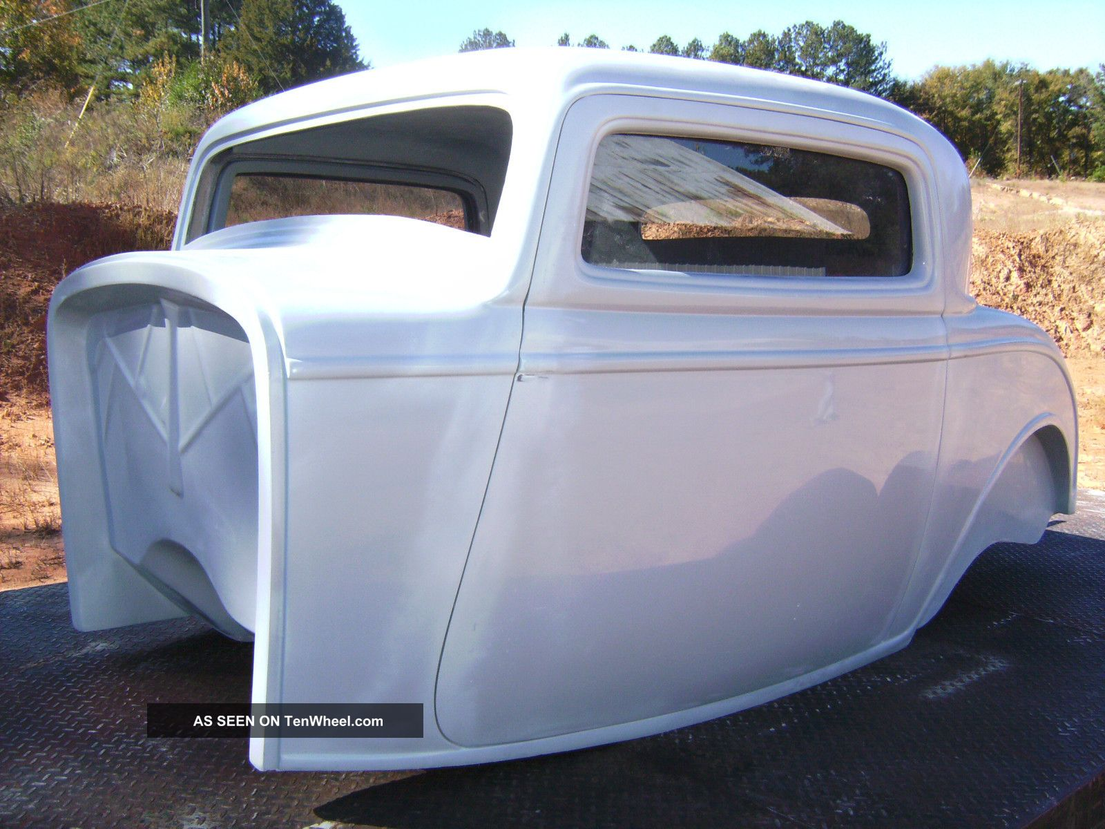 1932 ford three window coupe body project fiberglass body for 1932 ford 5 window fiberglass body