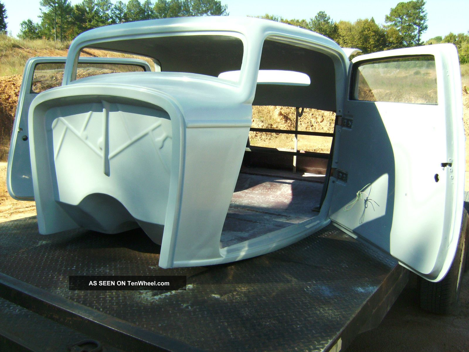 1932 ford three window coupe body project fiberglass body for 1932 5 window coupe kit cars