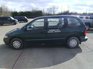 1998 Plymouth Voyager Mini Passenger Van 3.  3l photo