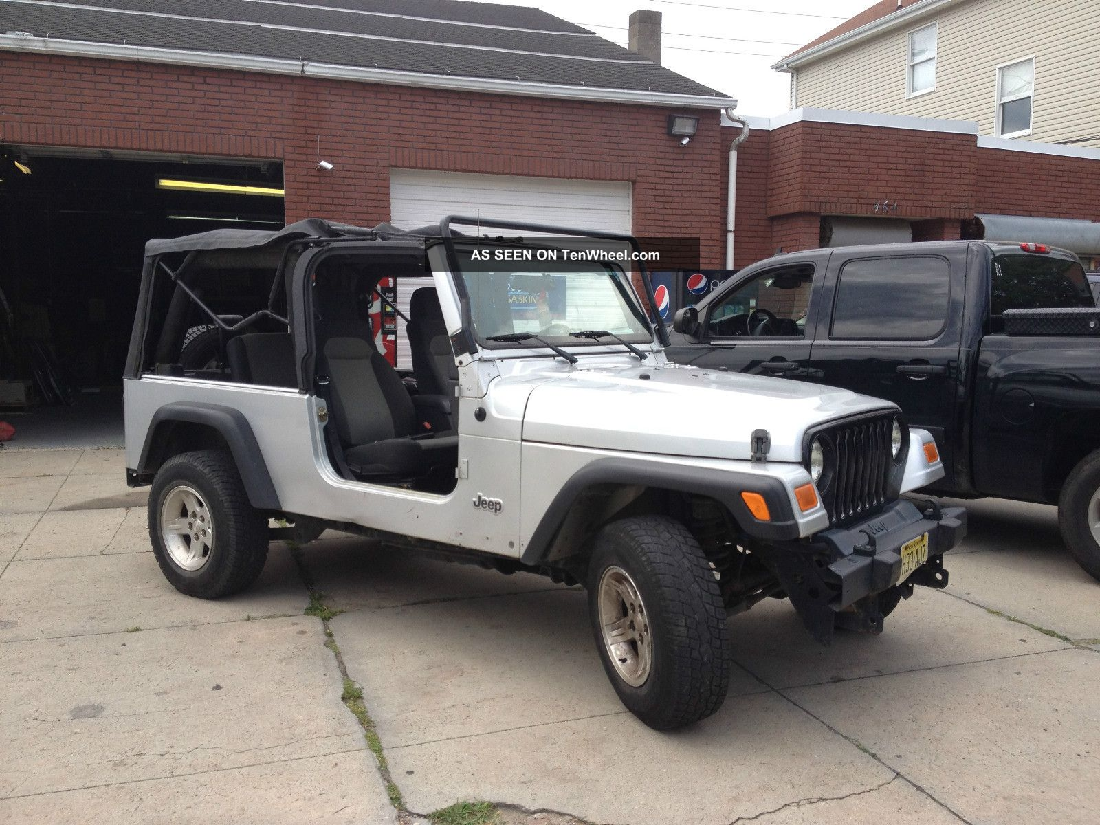 2006 jeep wrangler unlimited 4 0l auto hard soft top fisher plow 4x4. Black Bedroom Furniture Sets. Home Design Ideas