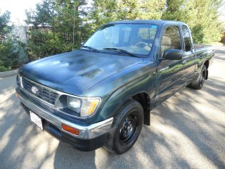 1995 Toyota Tacoma Dlx Extended Cab Pickup 2 - Door 2.  4l Title photo