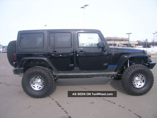 2013 jeep wrangler unlimited rubicon sport utility 4 door 3 6l. Black Bedroom Furniture Sets. Home Design Ideas