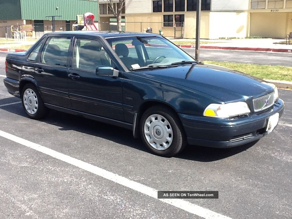 1998 Volvo S70 Base Sedan 4 - Door 2.  4l S70 photo