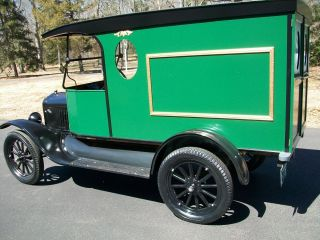 1922 Ford Model T photo