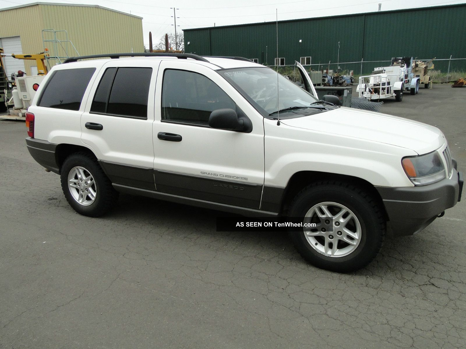 2004 Jeep Grand Cherokee Laredo 4wd Cherokee photo