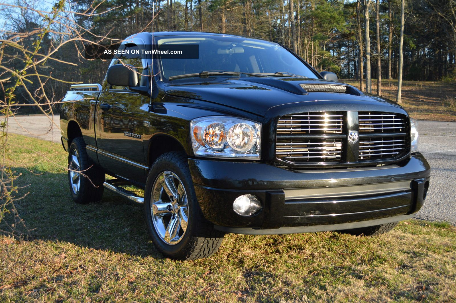 2007 dodge ram 1500 sport standard cab pickup 2 door 5 7l. Black Bedroom Furniture Sets. Home Design Ideas